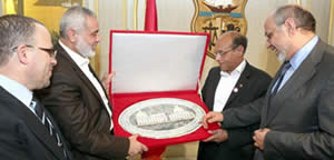 Ismail_Haniya_meets_with_the_heads_of_the_Tunisian_administration
