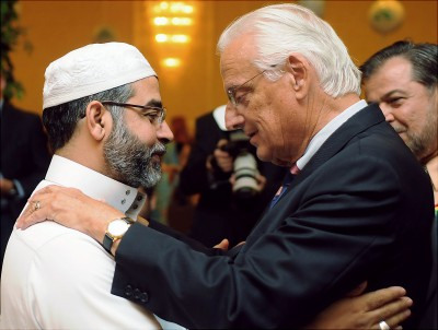 Bill_Pascrell_and_Imam_Mohamad_Quatanani_2009