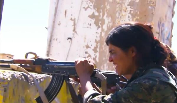 Kurdish woman fighter